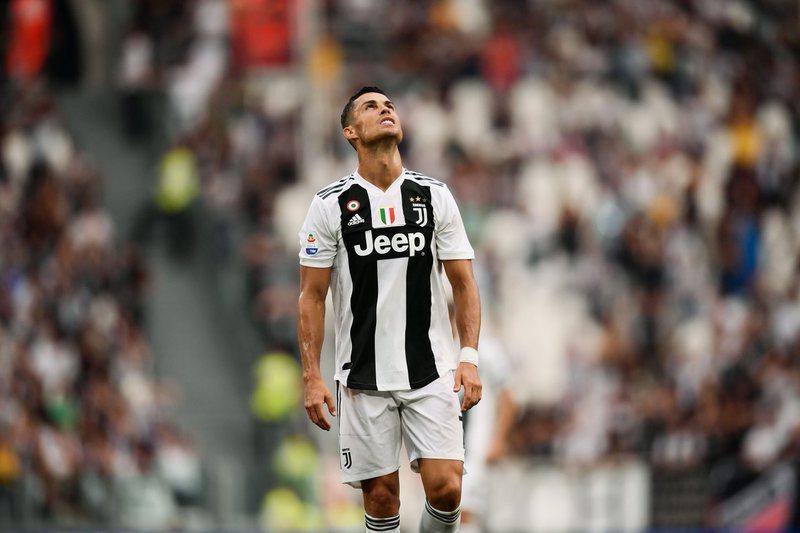 Zbardhen prapaskenat e bujshme / Ronaldo është penduar që ka