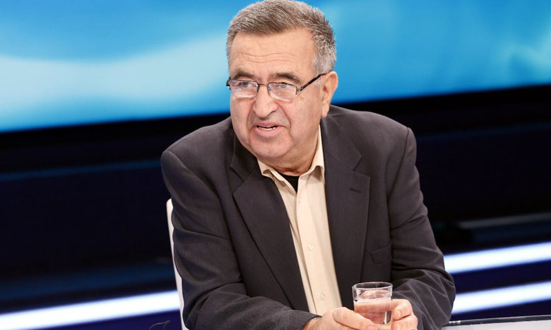 Fatos Klosi: Meta tejkaloi kompetencat, e vendos Kushtetuesja nëse kreu