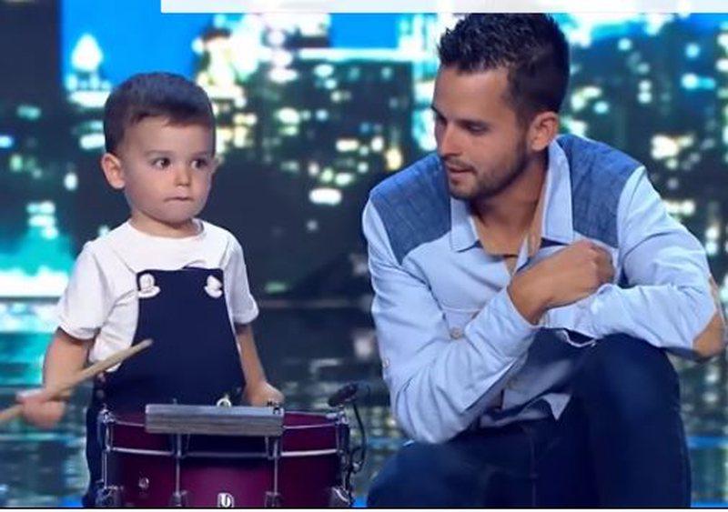 Super-talent, njihuni me 2-vjeçarin që i la me gojëhapur
