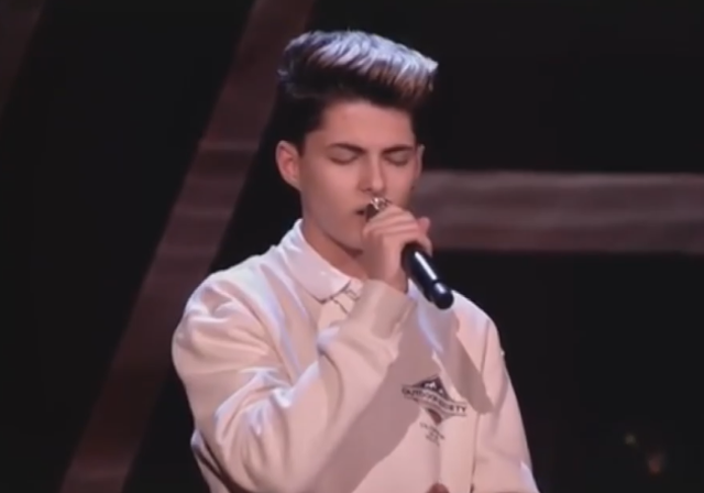 Raised the whole audience to his feet with his wonderful voice, the 15-year-old