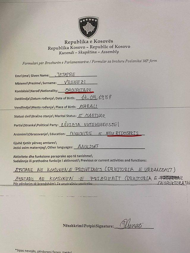 Deputetët që nuk dinë të shkruajnë shqip, fotot që