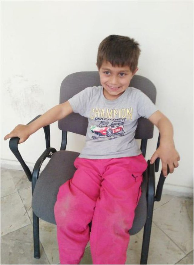 Policia nxjerr foton: Gjendet fëmija në Tiranë, nuk mban mend