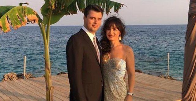 Basha harron humbjen e 25 prillit, feston përvjetorin e martesës