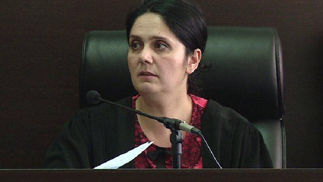 Gjykata Kushtetuese 'rrëzon' gjyqtaren Enkeleida Hoxha,