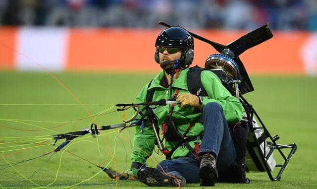 Zbardhen detaje të reja nga incidenti me parashutë gjatë ndeshjes