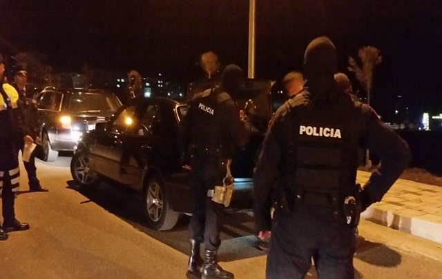 Vlora / Police action with flash controls, two businessmen are arrested. Here is