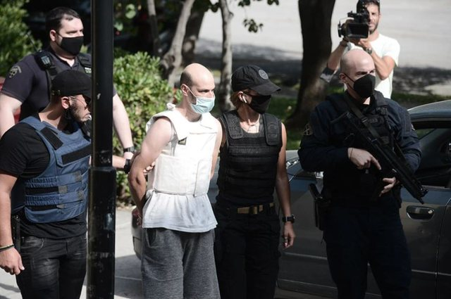 Del në gjyq me jelek anti-plumb bullgari që përdhunoi shqiptaren