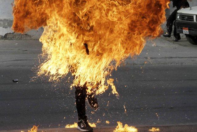 Ngjarje e rëndë në Gjirokastër/ Burri lyen me benzinë
