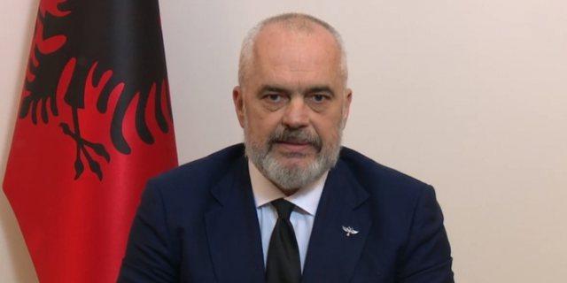 Kryeministri Rama nxjerr foton: E para shqiptare në histori që