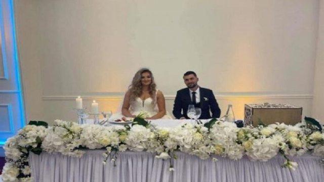 Deputetja shqiptare i jep fund beqarisë, dalin fotot nga ceremonia e