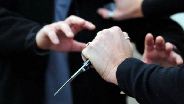 Plagosje me thikë në Tiranë, një person gjendet i