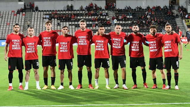 """Forca, mos u dorëzo""/ Anëtari i Kombëtares shqiptare"