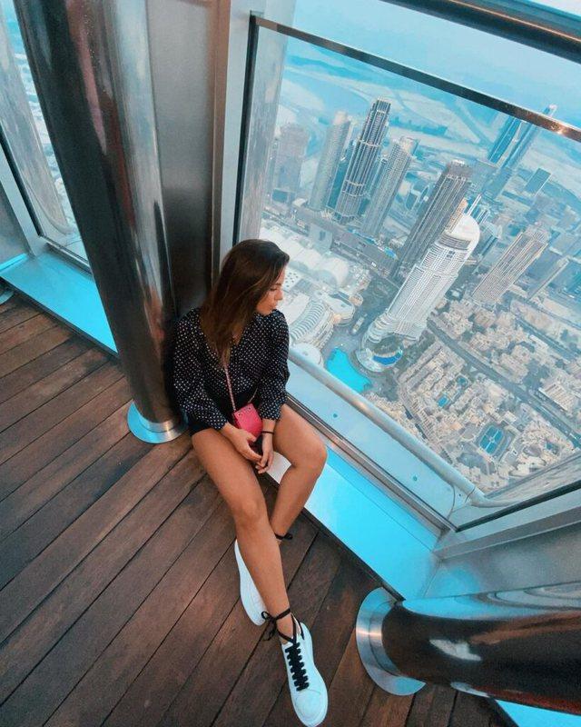 I publikuan fotot nga Dubai, ish konkurrentja e 'Përputhen'