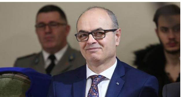 Kush është më e bukura e Kuvendit të Shqipërisë?