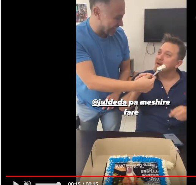 """Feston Jul Deda, ha """"kokën"""" e Berishës për"""