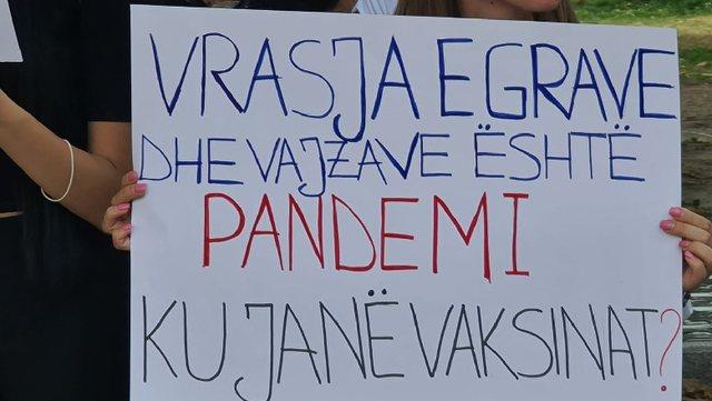 Të pranishëm dhe figura politike! Protestë në Tiranë e