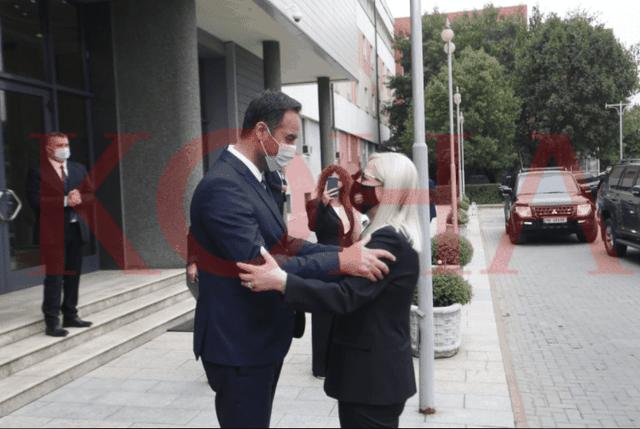 Lindita Nikolla bën vizitën e parë zyrtare si kryeparlamentare,