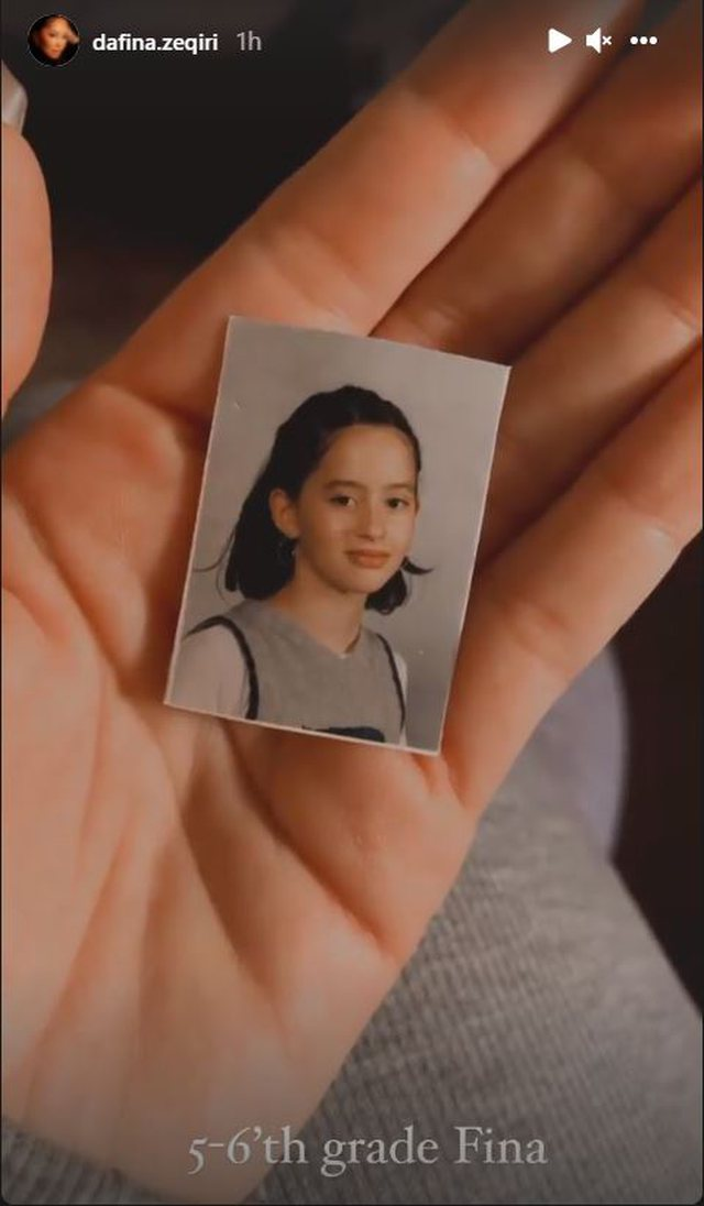Do you know this little girl? Today she is one of the most beloved Albanian