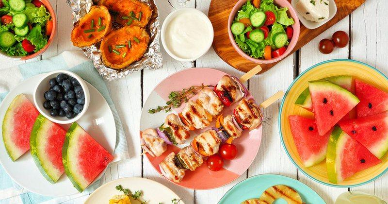 Dietologët e njohur këshillojnë qytetarët! Vera dhe ushqimet