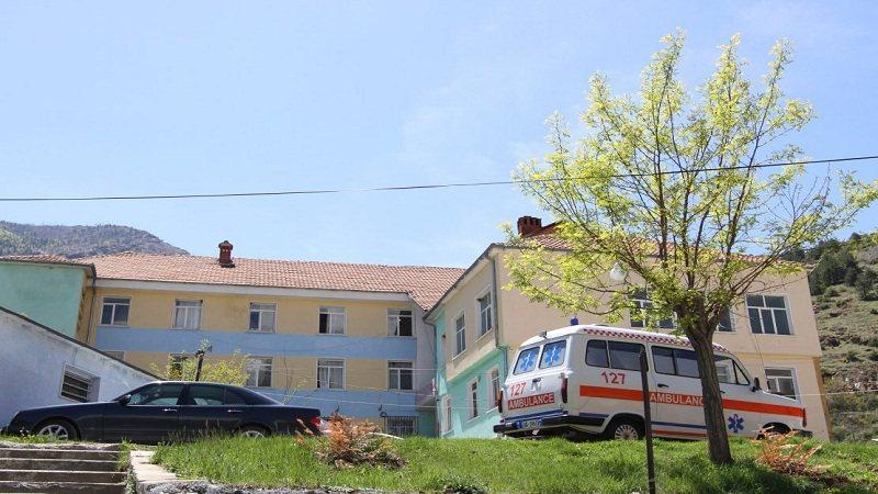 Tragjedi në Bulqizë/ Burri humb jetën pas kontaktit me korrentin