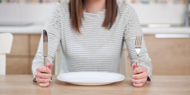 Disa gjëra që ndodhin me trupin tuaj kur vendosni të mos hani