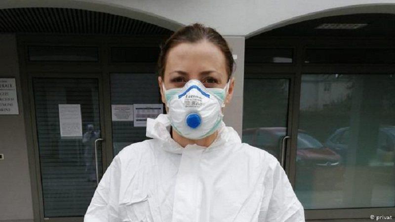 Ky është shteti që heq maskat në ambjente të hapur: