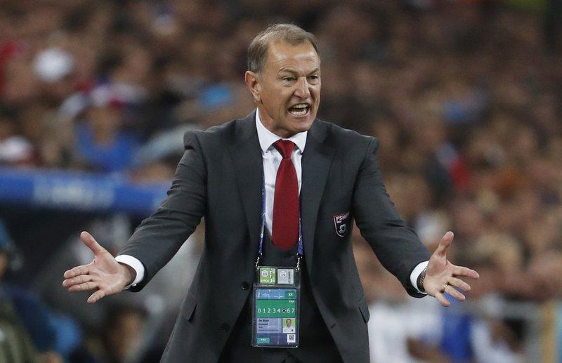 Ish-trajneri i kombëtares shqiptare, Gianni De Biasi: Humbja ndaj