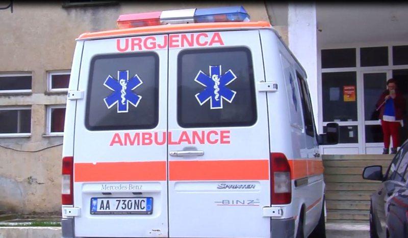 Ngjarje e rëndë në Durrës, makina përplas