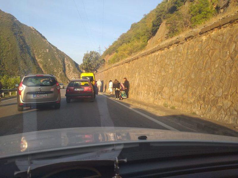 Aksident i rëndë  masiv në Elbasan/ Përplasen 3 automjete,
