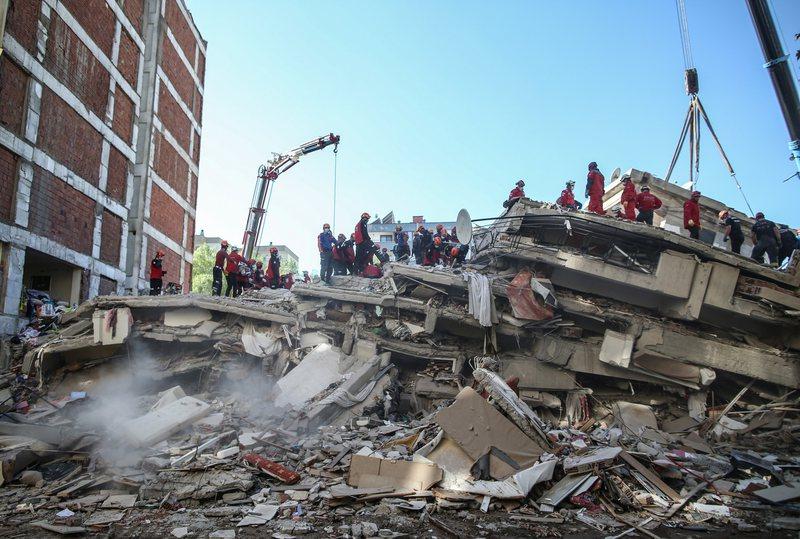 Tërmeti në Turqi, mbi 60 viktima të zyrtarizuara deri më