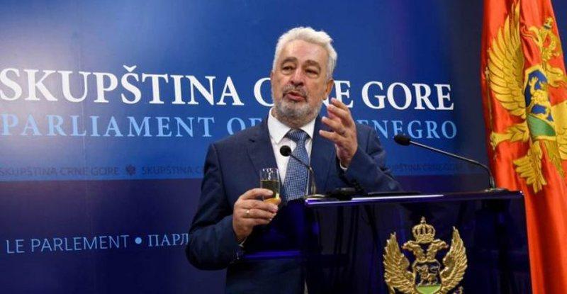 Kryeministri malazez i habit të gjithë: Ja si e kalova në