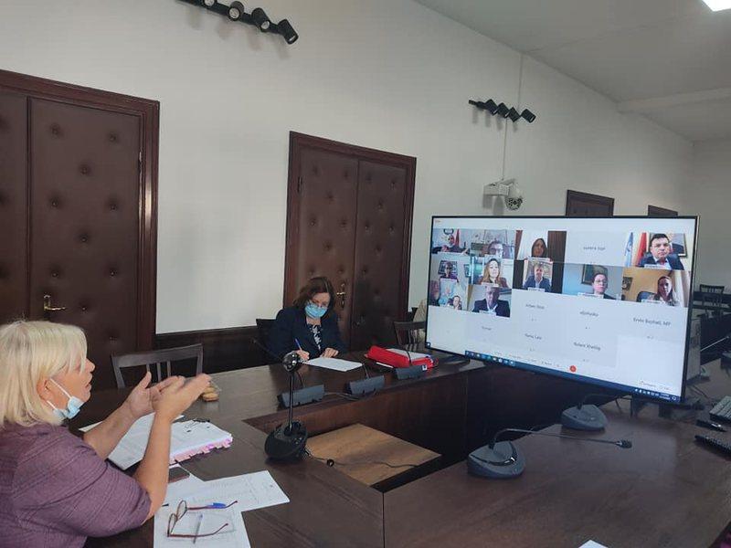Buxheti në rritje, Kuvendi porosi qeverisë: Doganat dhe Tatimet