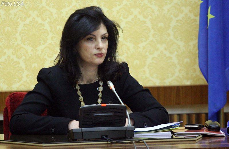 25 prilli/ Jozefina Topalli trondit me deklaratën: Mandatet e PD janë