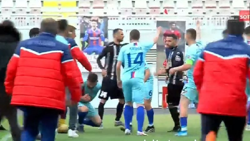 Chaotic situation in the Cup match, the Albanian footballer remains lying on the