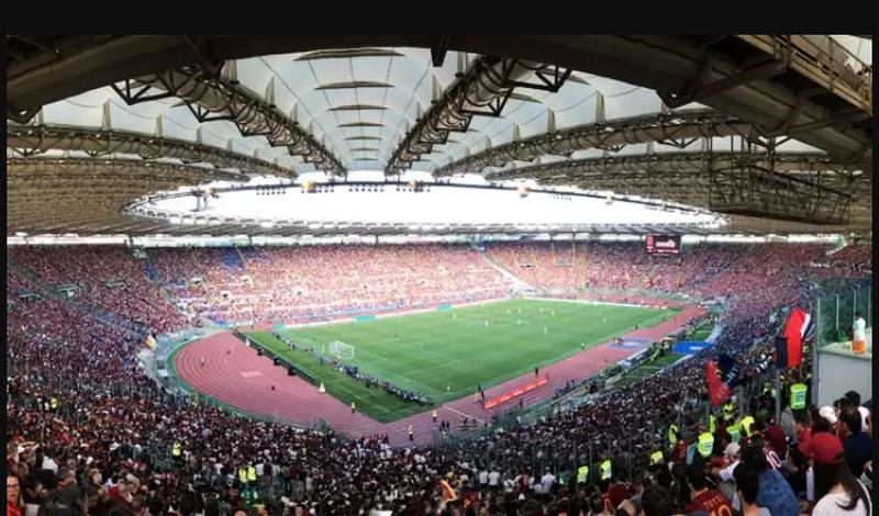 Italia do të hapë stadiumet para se të nisë Europiani, e