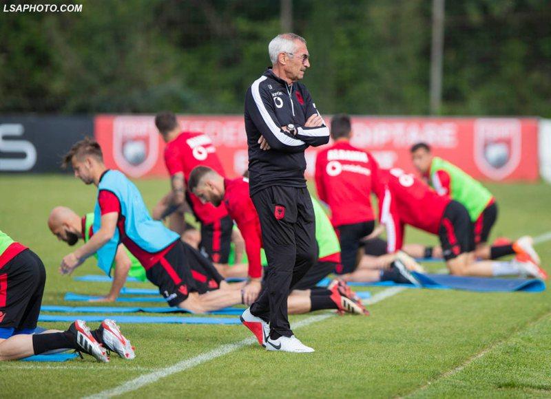 "Veteran strikers of the National Team towards ""retirement"", Reja takes"