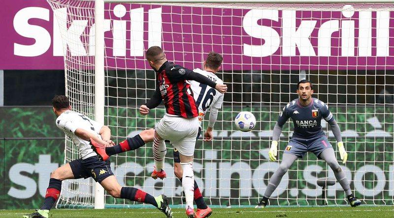 Milani mund Xhenoan dhe forcon pozitat në top-4 të Serisë A, Juve