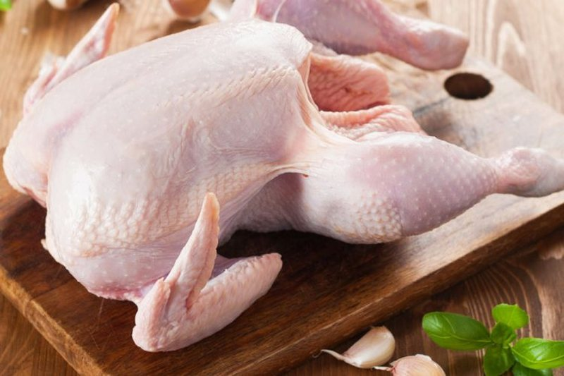 It's quite simple, here's how to tell if the chicken is fresh or not