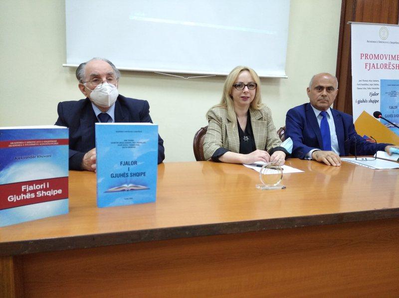 Akademia e Shkencave promovon dy fjalorë të gjuhës shqipe