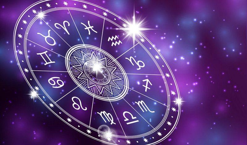 Universi ka një mesazh për ju, këto janë tri shenjat më