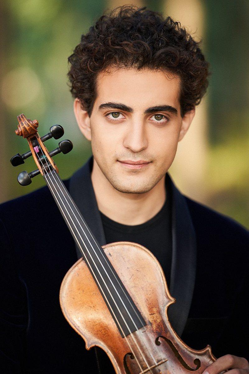TKOB, programi artistik me koncertin e violinistit të njohur Elvin Hoxha