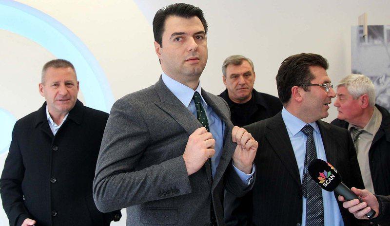 Përçahet opozita/ Agron Duka bëri përgjegjës kreun e