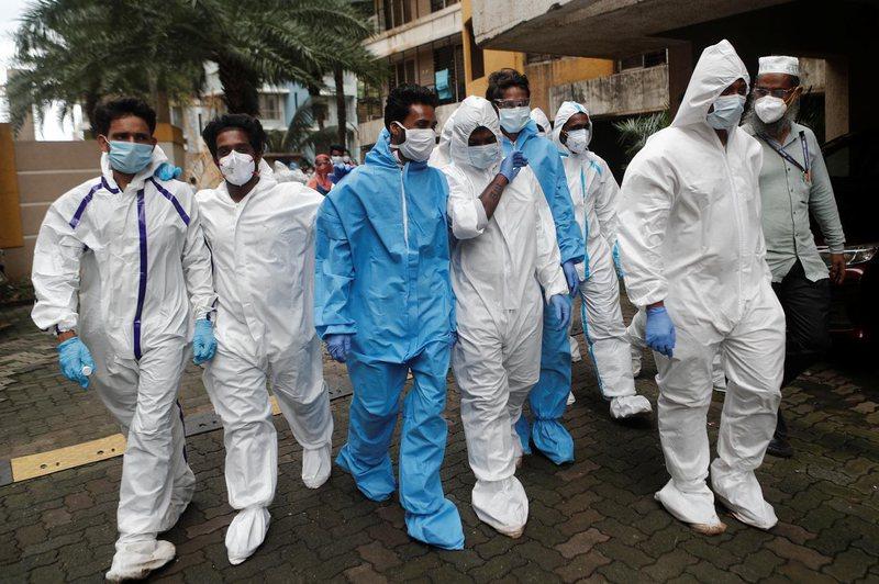 Koronavirusi paralizon Indinë, mbi 400 mijë infektime në