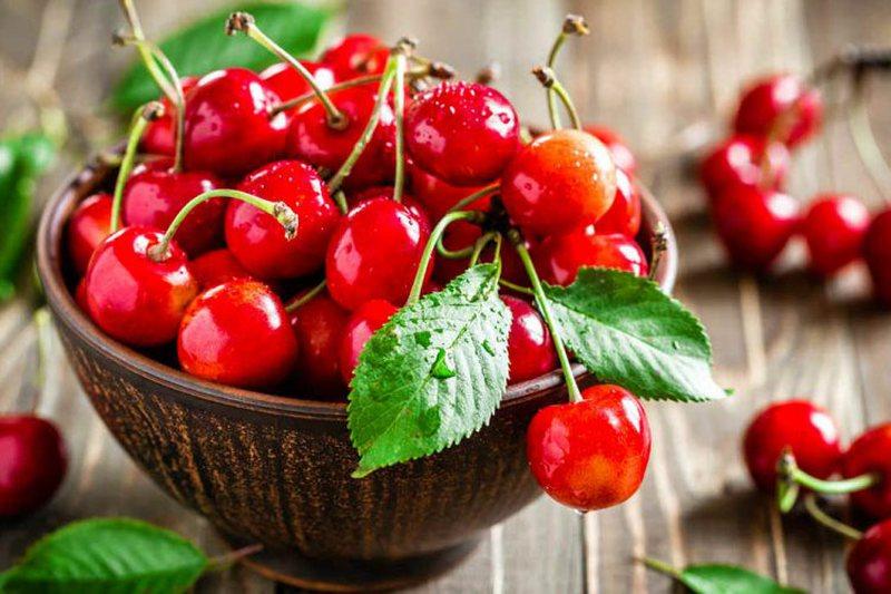 Këto janë frutat dhe perimet e sezonit, ja vlerat që kanë/