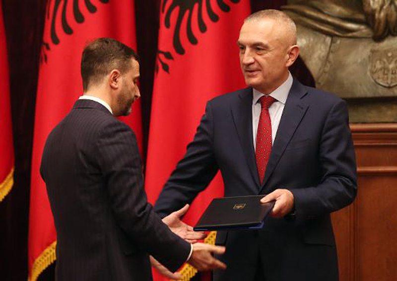 A do të shkarkohet Ilir Meta si president? Juristi i njohur jep mesazhin e