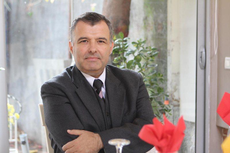 Vasil Tole: Institucionet kanë në arkiva dorëshkrimet e