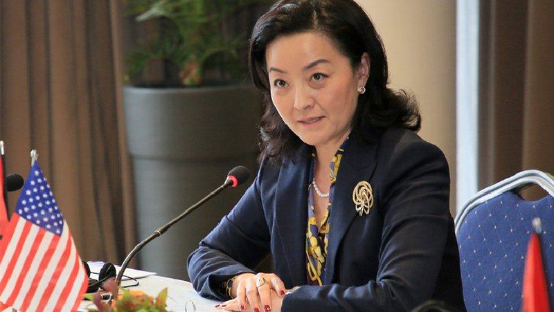 """""""Tani është koha"""", ambasadorja Yuri Kim del me mesazhin e"""