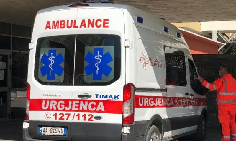The Bilisht-Partizan match is interrupted, 6 football players faint, they are
