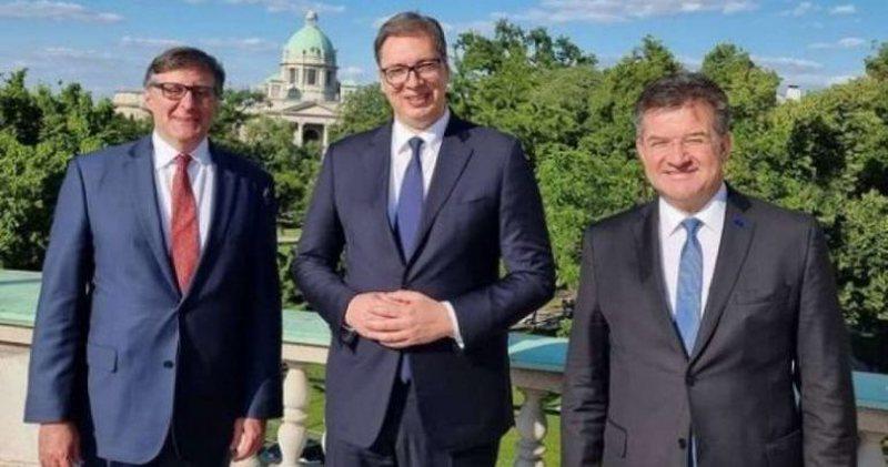 "Vuçiç ""zbut tonet"" për dialogun, optimist pas"