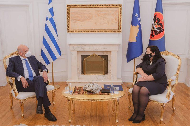 Shtohen afrimet Kosovë-Greqi, Dendias vizion Prishtinën dhe shton